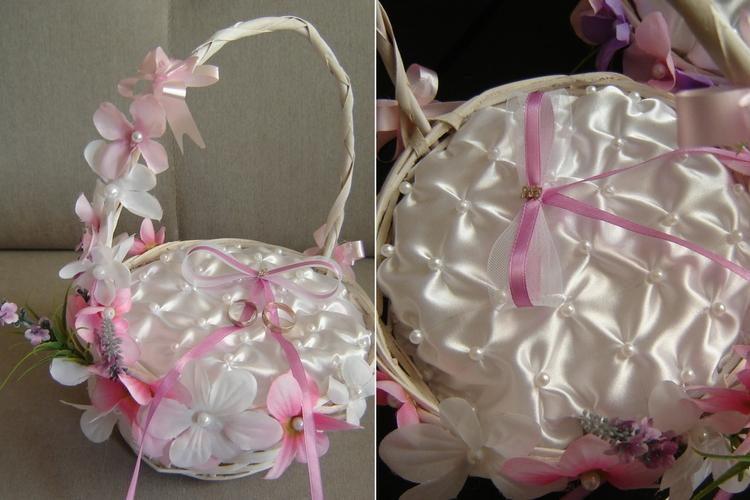 Różowo-biały koszyczek na obrączki
