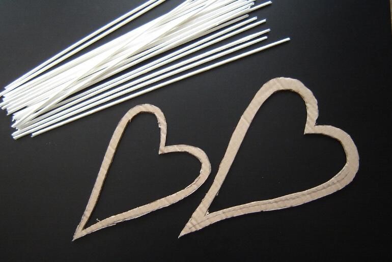 Walentynkowe serce z wikliny papierowej - potrzebne materiały