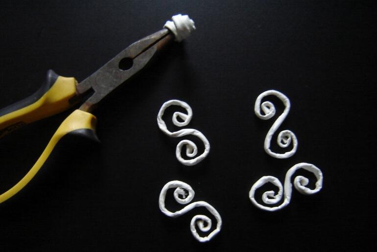 Skręcanie rurek z wikliny papierowej