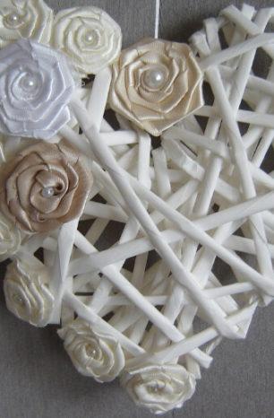 Serce z wikliny papierowej DIY – dekoracja na różne okazje