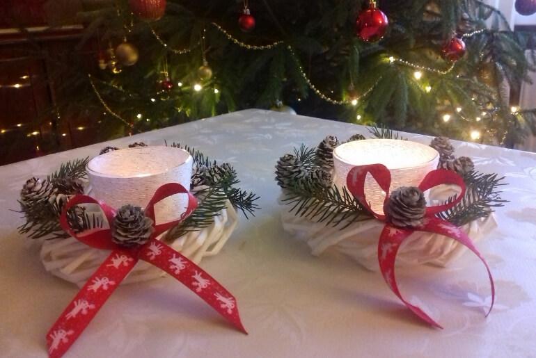 Małe wianki bożonarodzeniowe z wikliny papierowej
